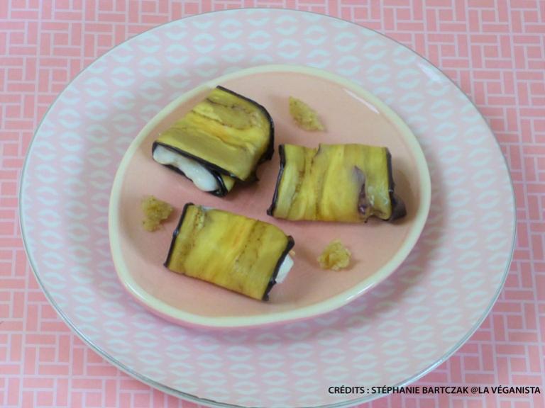 """Rouleaux d'aubergines à la """"cream cheese"""" et à la sauce créole"""